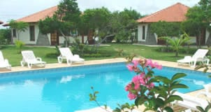 area da piscina :: Pousada Residencial Borboleta Amarelas - Prado BA