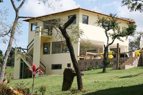 Suite, sauna e salão de festa :: Pousada Chalés Colinas de Casa Branca - Brumadinho MG