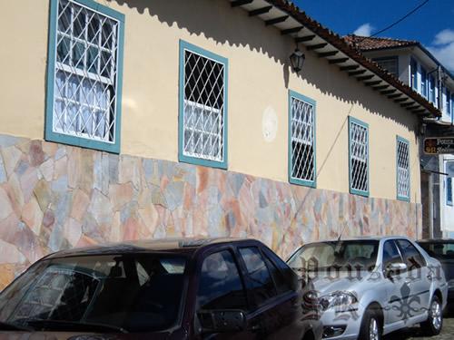 Fachada :: Pousada SR - Ouro Preto MG