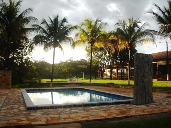 Pousada laura vicu a aldeia velha chapada dos guimar es mt veja 12 fotos - Laura vicuna piscina ...