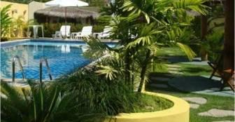 Em nossa estrutura contamos com muito verde em nossas áreas abertas. Tranquilidade e bom gosto para você aproveitar ao máximo! :: Pousada Costeira da Barra - Maragogi AL