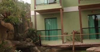 Apartamentos luxo em frente ao lago :: Pousada Bon Vivant - Cabo Frio RJ