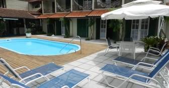 Vista da piscina e sobrados :: Residencial Pontal do Jurerê - Florianópolis SC