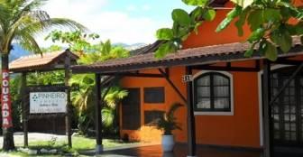 fachada principal :: Pousada do Pinheiro Camburi - São Sebastião SP